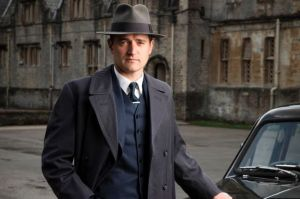 Tom Chambers as Detective Inspector