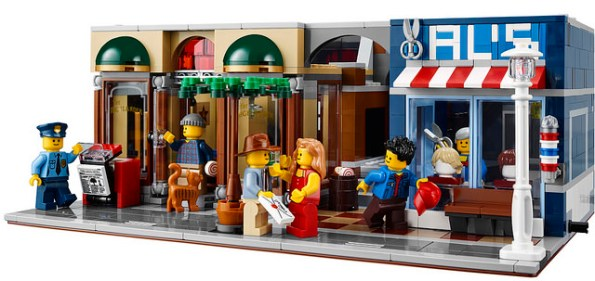At www.brothers-brick.com you can see a variety of scenes created using the new set