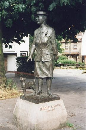DorothyLSayersstatue