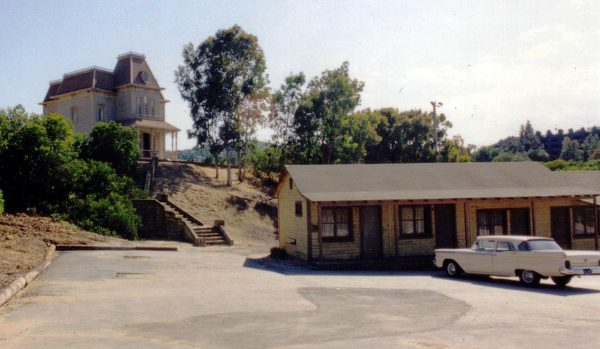 1280px-bates_motel